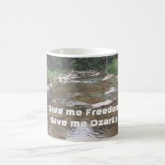 Geben Sie mir Freiheit, geben Sie mir Kaffeetasse