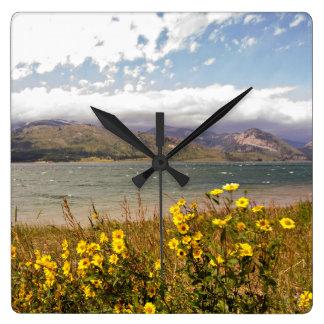 Gebirgsszenen-Wanduhr Sommer-Wyomings im Freien Quadratische Wanduhr