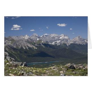 Gebirgszug und See von auf einem Berg Karte