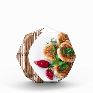 gebratene Fleischklöschen des gehackten Huhns Auszeichnung