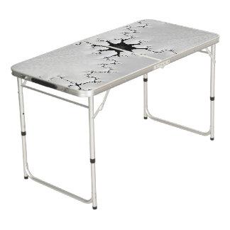 Gebrochene Fraktal-Schwarzweiss-Kunst Beer Pong Tisch
