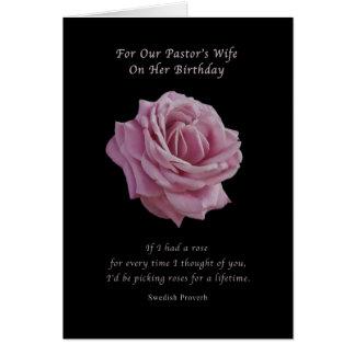 Geburtstag, die Ehefrau des Pastors, rosa Rose auf Karte