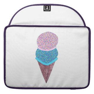 Geburtstag-doppelte Eiscreme im Kegel Sleeve Für MacBook Pro