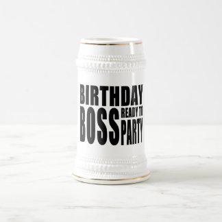 Geburtstags-Chef bereit zum Party Bierkrug