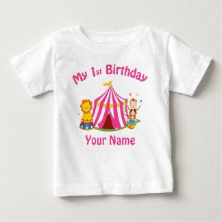 Geburtstags-Zirkusrosa des Babys erstes Baby T-shirt