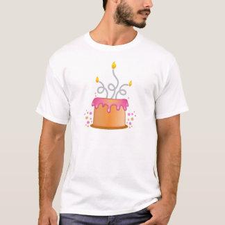 Geburtstagskuchen mit twirly gelockten Kerzen T-Shirt