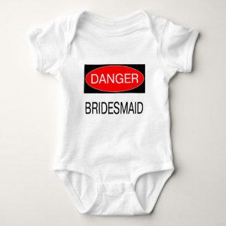 Gefahr - Brautjungfern-lustiger Hochzeits-T - Tshirts