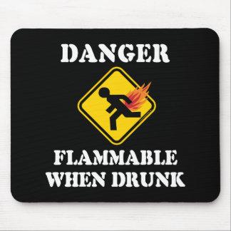 Gefahr brennbar, wenn betrunken - lustiger mousepad