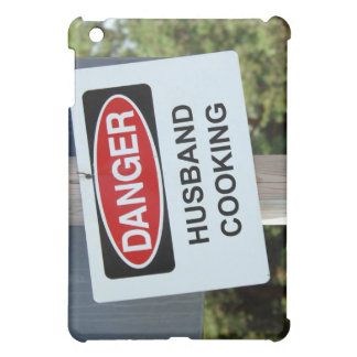 Gefahrenehemann, der Zeichen kocht iPad Mini Schale