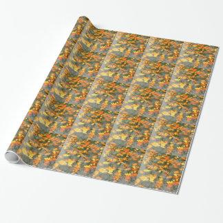 gefallenes Blätter im Regen Geschenkpapier
