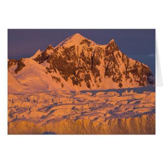 gefrorene Glazial- Gebirgslandschaft entlang Karte