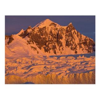 gefrorene Glazial- Gebirgslandschaft entlang Postkarte