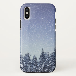 Gefrorene Schnee-Winter-Waldszene iPhone X Hülle