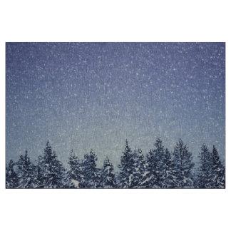 Gefrorene Schnee-Winter-Waldszene Stoff