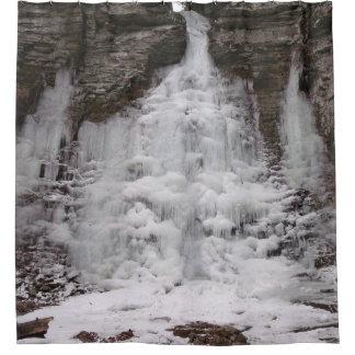 Gefrorener Schlucht-Wasserfall Duschvorhang