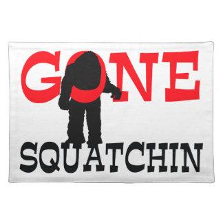 Gegangenes Squatchin Bigfoot eingeschlossen Tischset