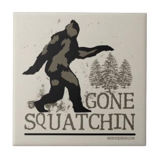 Gegangenes Squatchin Kleine Quadratische Fliese