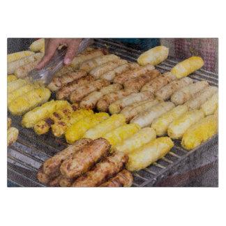Gegrillte thailändische Nahrung Schneidebrett