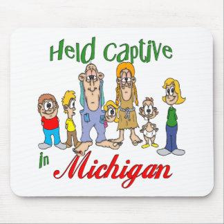 Gehaltener Gefangener in Michigan Mousepads