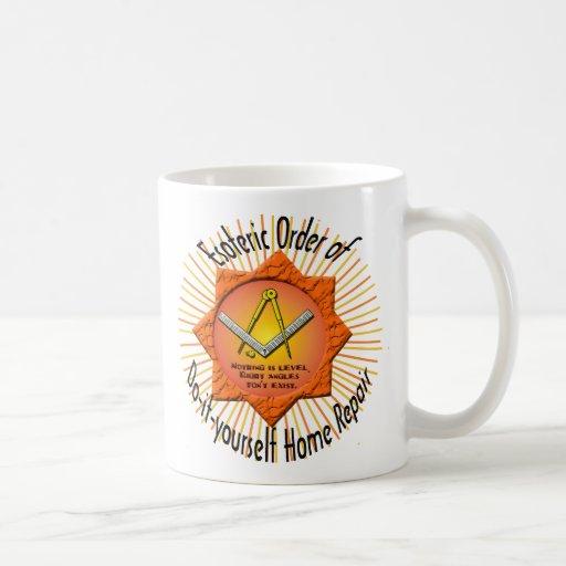 geheimer Auftrag tun-es-sich der Zuhausereparatur Kaffeehaferl