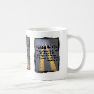 Gehen die Linie Kaffeetasse
