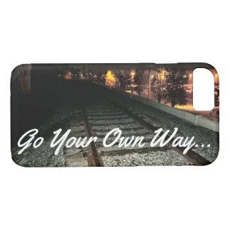GEHEN IHRE EIGENE WEISE - Bahnstrecken nachts iPhone 8/7 Hülle