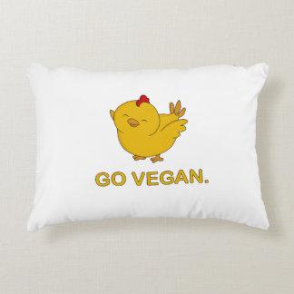 Gehen - niedliches Küken vegan Zierkissen