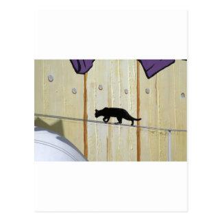 gehende Katze des Drahtseils Postkarte