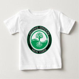Gehender grüner Baum New York Baby T-shirt