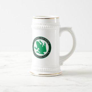 Gehender grüner Massachusetts-Frosch Bierglas