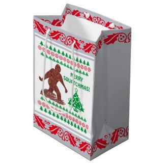 Gehendes Sasquatch silbernes rotes lustiges Mittlere Geschenktüte