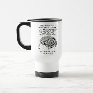 Gehirn-Arbeitsfallschirm-Fallschirmspringen-lustig Kaffee Tassen