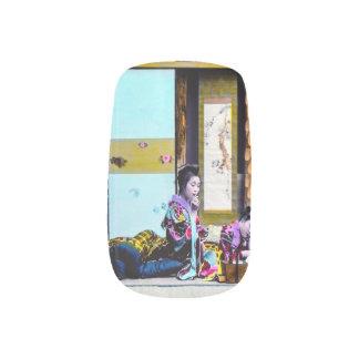 Geisha zwei, der vor Bett Vintages Japan raucht Minx Nagelkunst