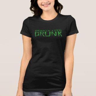 Gekennzeichneter betrunkener grüner Frauen T-Shirt