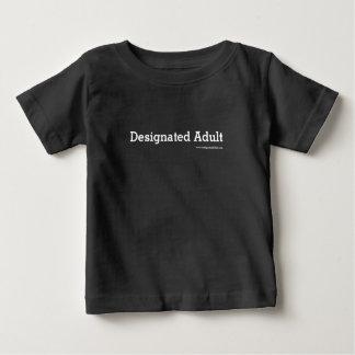 Gekennzeichneter Erwachsener - Baby sortiert Baby T-shirt