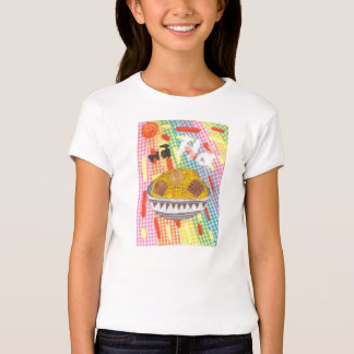 Gekicher blättert der T - Shirt des Mädchens ab