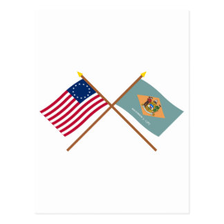 Gekreuzte 13 Stern US und Delaware-Staats-Flaggen Postkarte