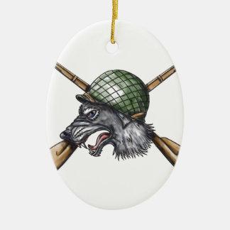 Gekreuzte Gewehr-Tätowierung des grauen Wolf-WW2 Ovales Keramik Ornament