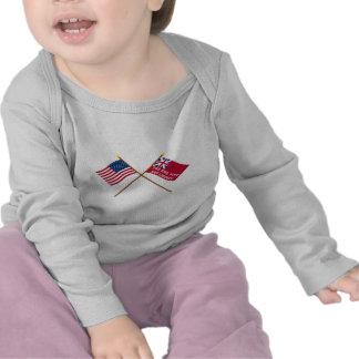 Gekreuzte USA und New- Yorkfreiheits-Flaggen