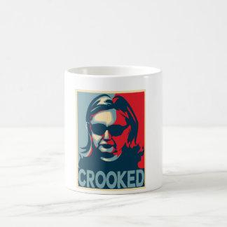 GEKRÜMMTE Tasse Anti-Hillary Clinton