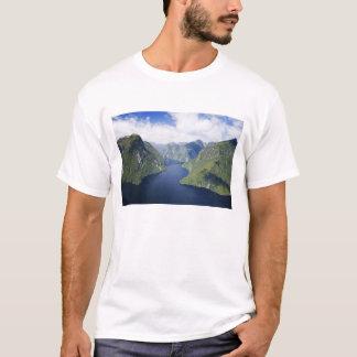 Gekrümmter Arm, Malaspina Reichweite, T-Shirt