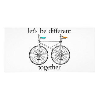 Gelassen uns seien Sie zusammen unterschiedlich Individuelle Photo Karte