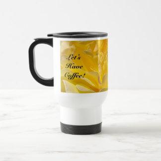 Gelassen uns trinken Sie Kaffee! Freund-gelbe Reisebecher
