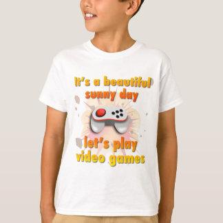 Gelassen uns Videospiele spielen T-Shirt