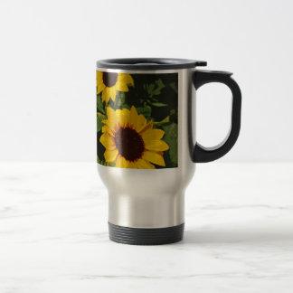 Gelb gemalte Sommersonnenblumen Reisebecher