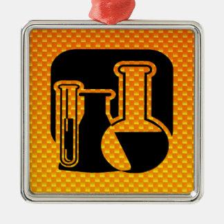 Gelb-orangee Chemie Quadratisches Silberfarbenes Ornament
