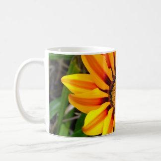 Gelbe Blume - Sonnenschein-Tasse Kaffeetasse