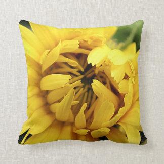 Gelbe Blüte 2 Kissen