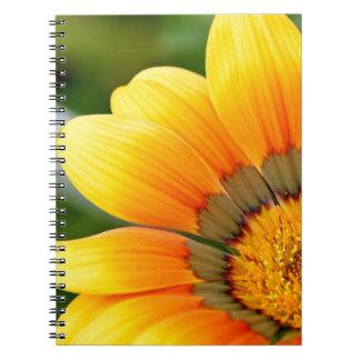 Gelbe Blüte Notizblock