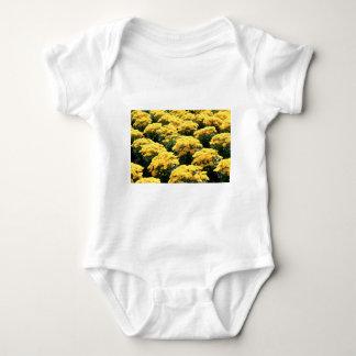 Gelbe Chrysantheme-Blumen Baby Strampler